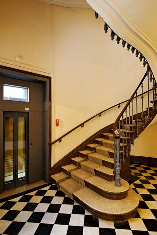 184-rivoli-paris-ascenceur-escalier
